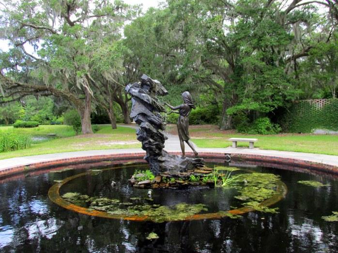 'Raphell' memorial sculpture