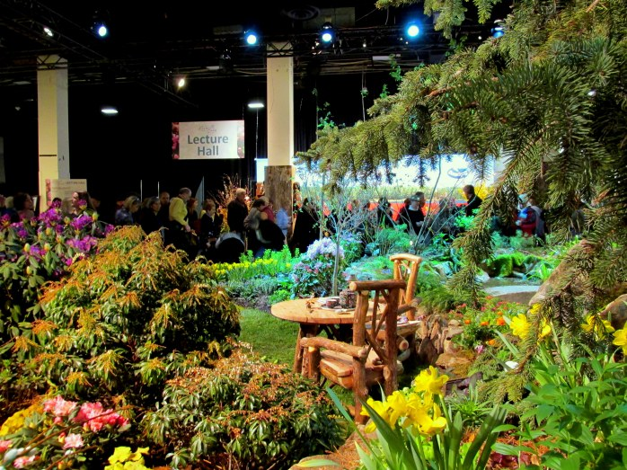 Massachusetts Horticultural Society display: landscape with lawn
