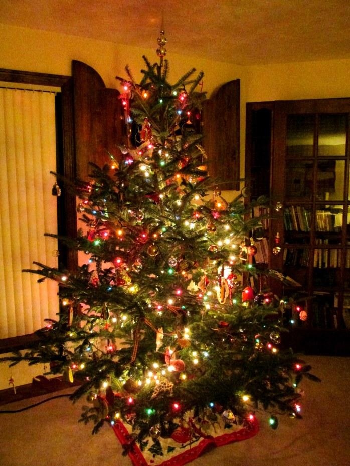 treewithornaments9Dec2014