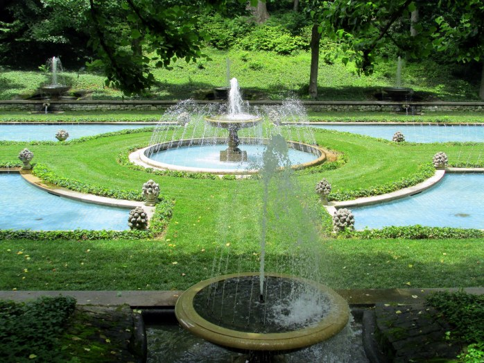 fountains in Italian gardens