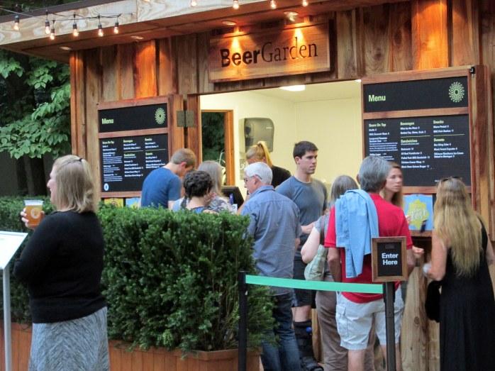 beergardenLongwoodGardens6Aug2015