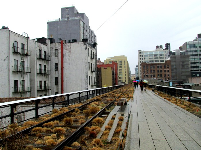HighLinewithtrackinrainHighLineNYC29March2014