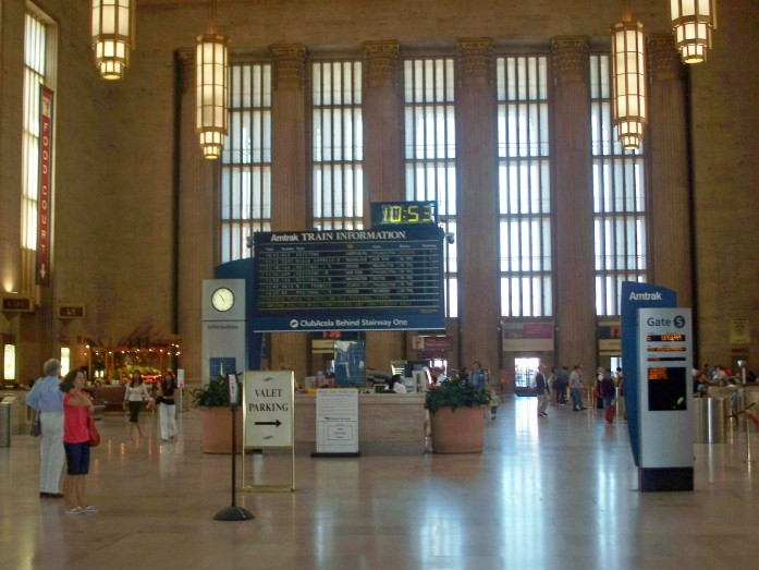 Philadelphia train station, Aug 2008