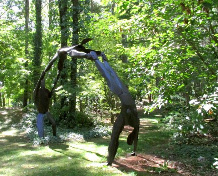 acrobatssculpturepetitpondbedrockgarden17sept2016