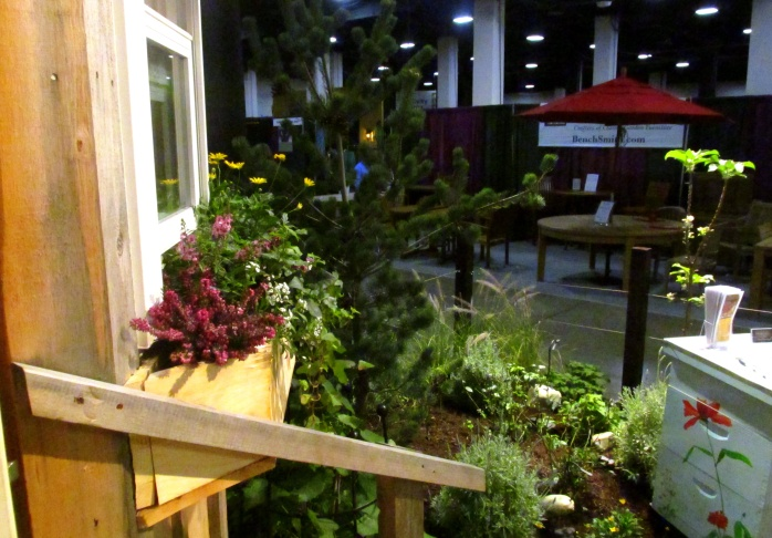 JamaicaCottageShoptinyhousesideyardBostonFlowerShow24March2017