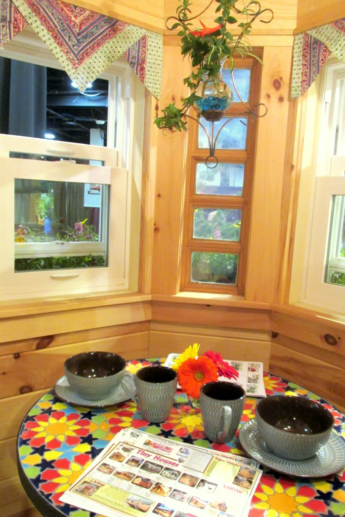 kitchentableJamaicaCottagetinyhouseBostonFlowerShow24March2017