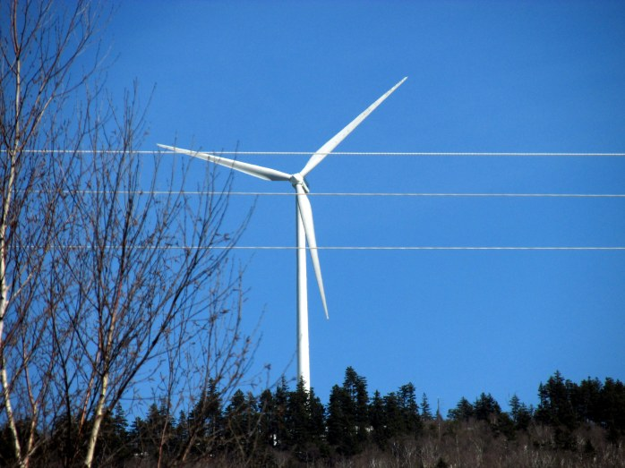 windturbineLempsterNH9April2017
