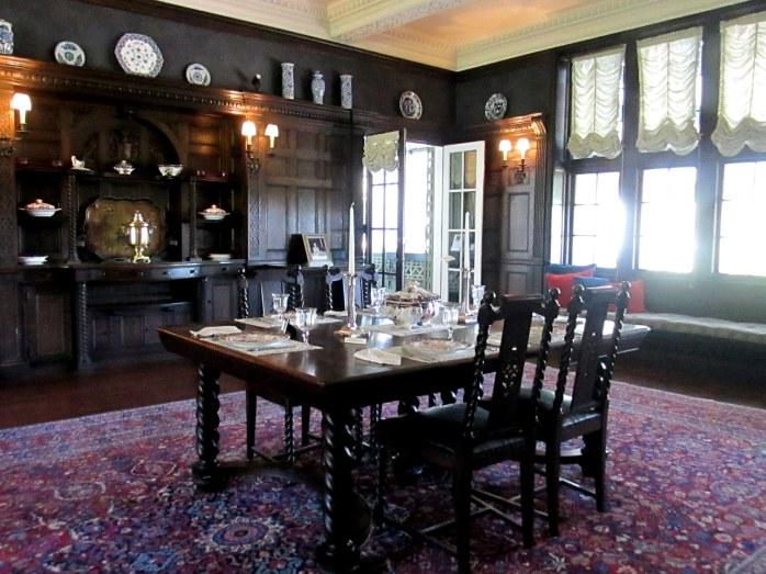 diningroomhouseBlithewoldBristolRI7May2017