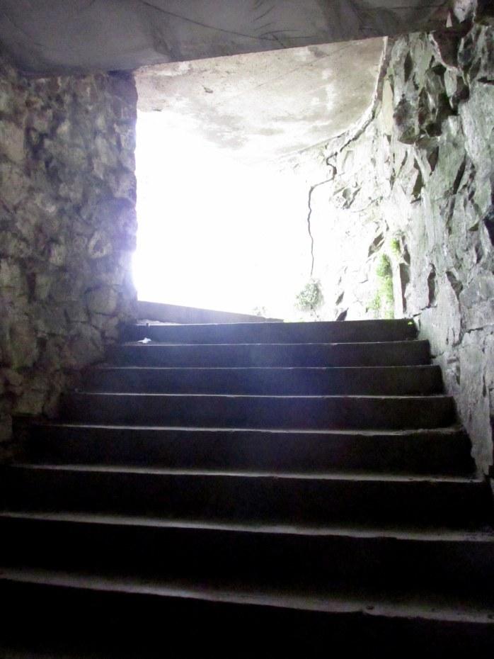 tunnelstairslightCliffWalkNewportRI9May2017