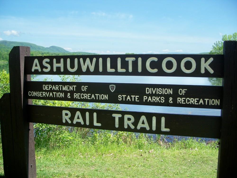 AshuwillticookRailTrailsign