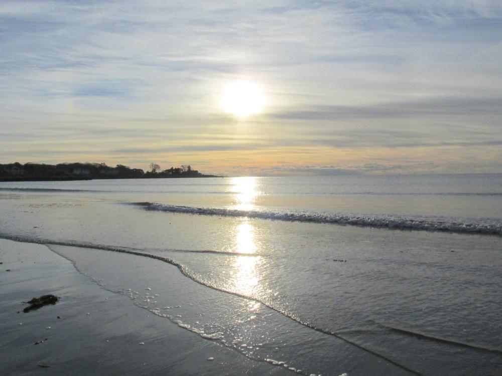 beachwithsunlight830amSeasideInn30Dec2014