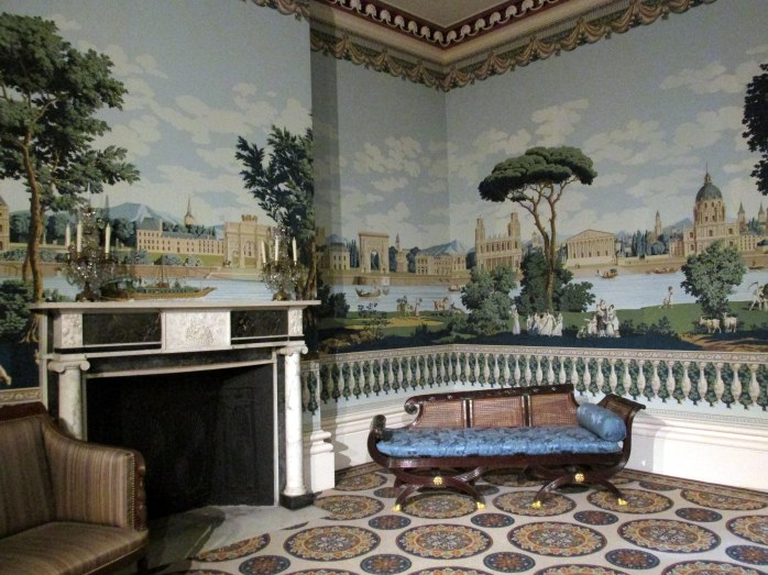 diningroomwallpapermuralseatingfireplaceTelfairMuseumSavannah18Dec2015