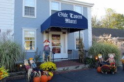 Olde Tavern Motel, Orleans, MA (Cape Cod), Nov. 2016