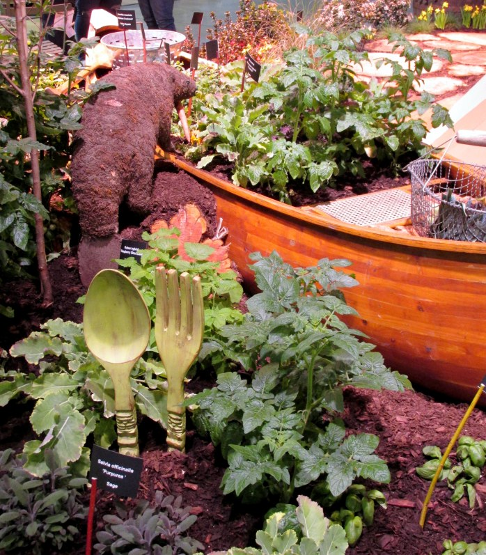vegetablesbeavercanoespoonforkSamanthasGardensdisplayflowershowBostonMA14March2018